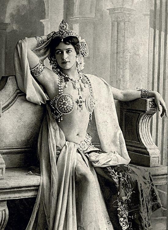 Publicity photo of Mata Hari, 1906