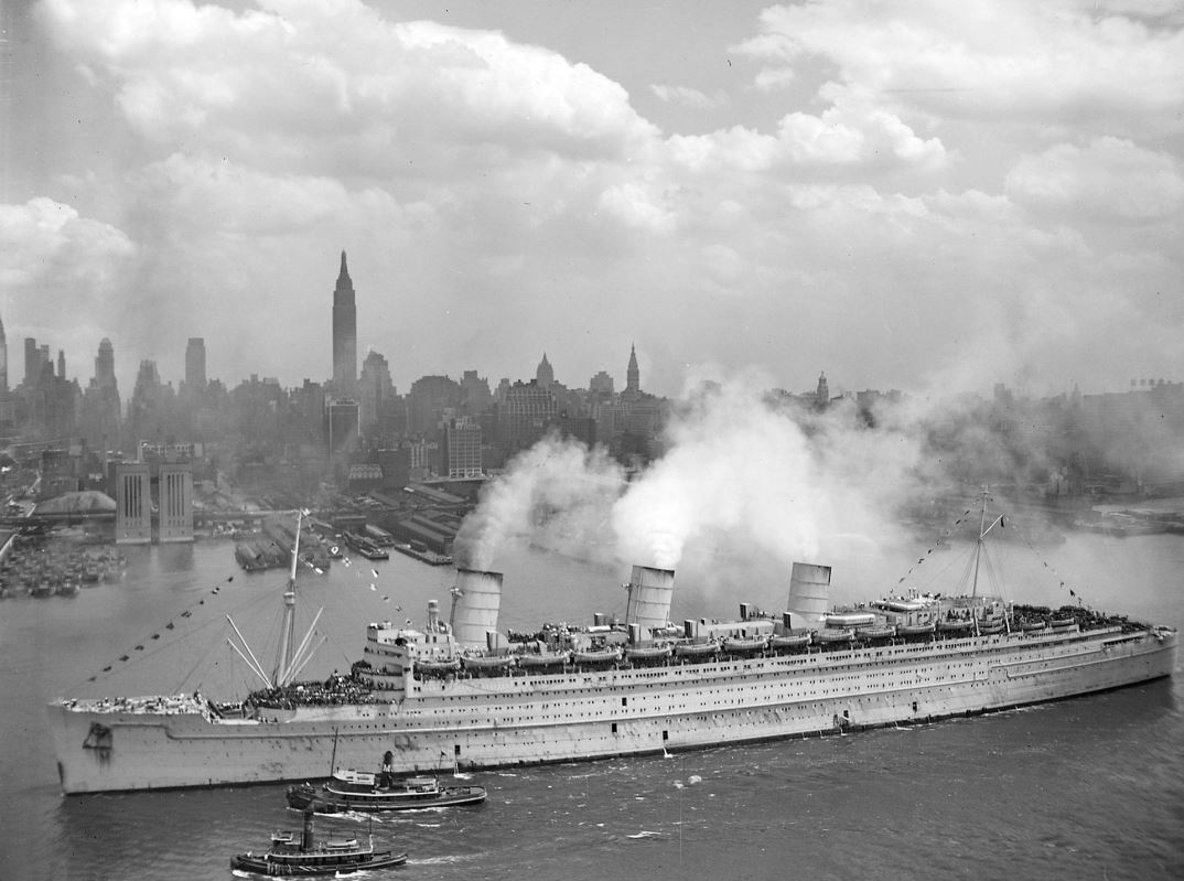 RMS Queen Mary in New York Harbor, 1945