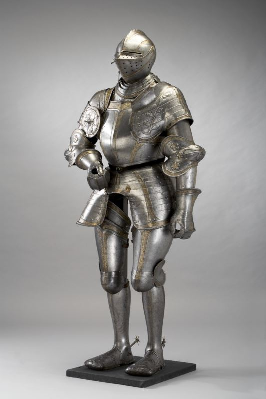 Example of 16th century plate armor.