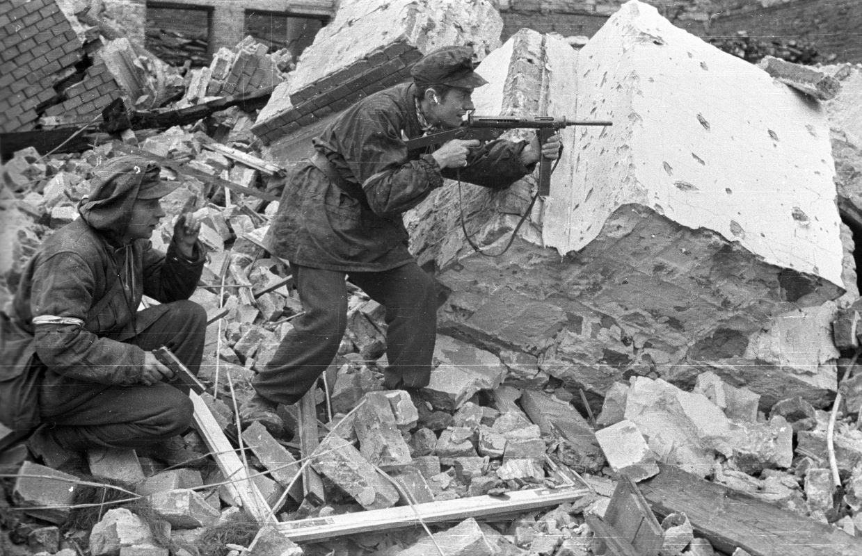 Home Army troops in combat during the Warsaw Uprising, 1944.