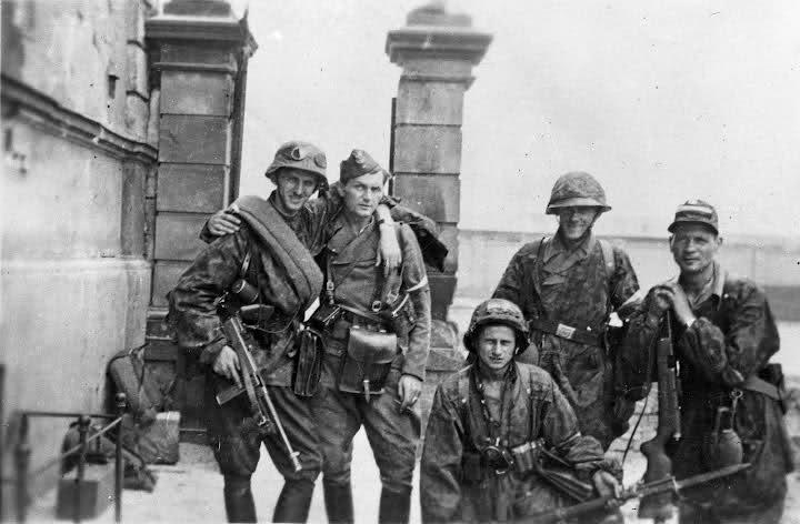 Polish Home Army troops, 1944.