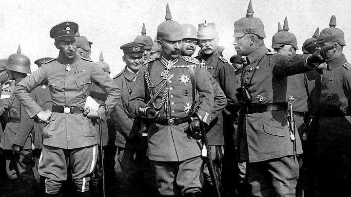 Kaiser Wilhelm II and his son visiting German troops in 1916.